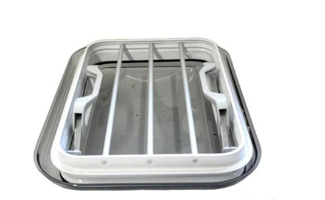 Kattoluukku 35 x 50 cm (alumiinirunko) - Kattoluukku 35 x 50 cm (alumiinirunko)