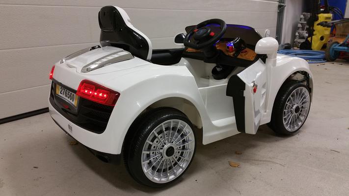 Lasten Audi TT sähköauto 6 V, avomalli - Sähköauto 6 V, avomalli