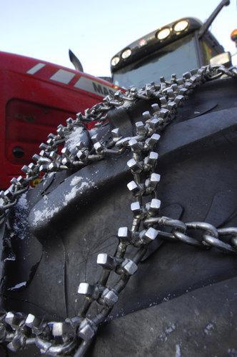 Traktorin jääketjut 16.9-24/26/28, Tellefsdal - Jääketjut Quatro T90 16.9R24/26/28/30