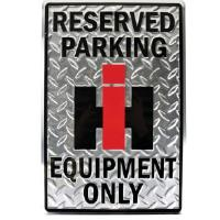 "Kyltti ""International Harvester reserved parking"""